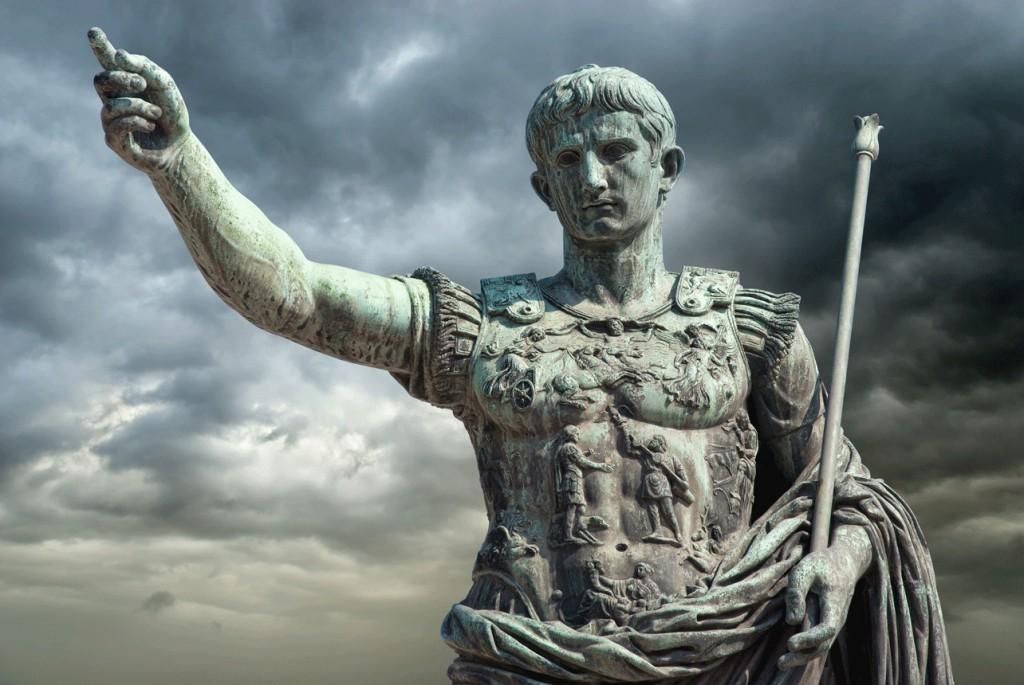 Украинец пытался разрушить памятник Октавиану Августу в Риме, по ошибке перепутав его с Путиным