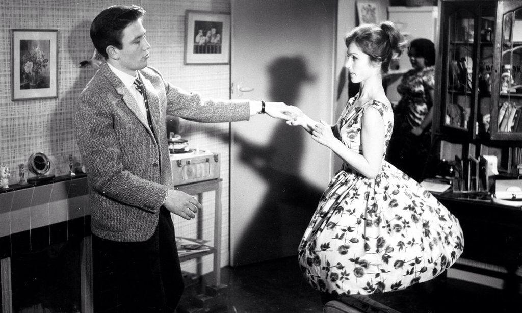 Сцена с Артуром и Розой из романа Э.М. Ремарка «Три товарища» (1936).