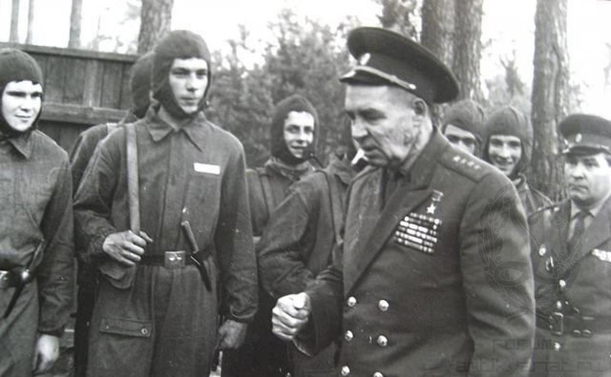 Василий Маргелов: как десантник No 1 без боя взял в плен тысячи немецких солдат