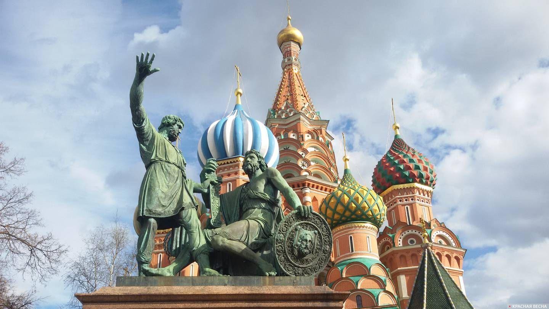 04 марта 1818 года (20 февраля по ст. ст.) был открыт памятник Минину и Пожарскому