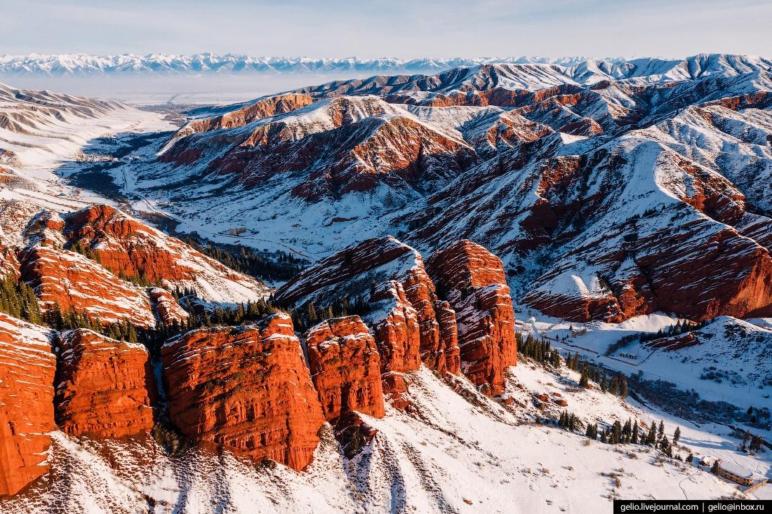 Зимний Кыргызстан — страна небесных гор (59 фото)