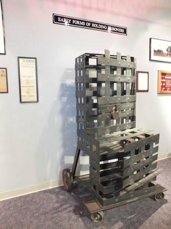 Стул для бродяги (Tramp chair), 1900–е годы, США (ИСТОКИ ДЕМОКРАТИИ)