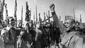 Последний успех Гитлера: как армия СССР спасла американцев от разгрома и позора