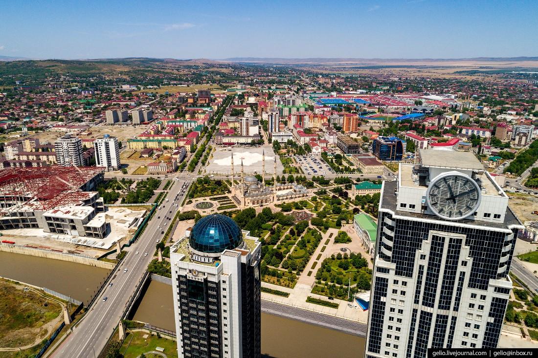 Грозный с высоты — город возрожденный из руин (10 фото)