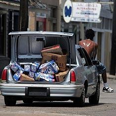 """Вспоминаем:После урагана """"Катрина"""": мародёрство, изнасилования, убийства, война банд в Новом Орлеане"""