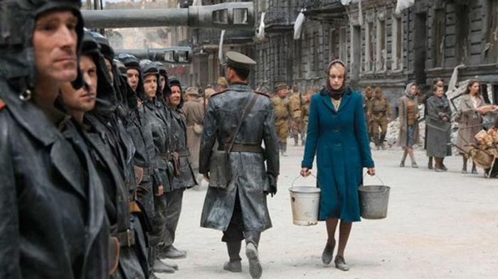 Кадр из фильма «Безымянная — одна женщина в Берлине». /Фото: images.telemadrid.es