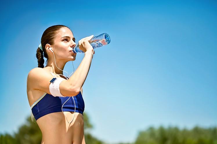 Правильное употребление воды: заблуждения и мифы