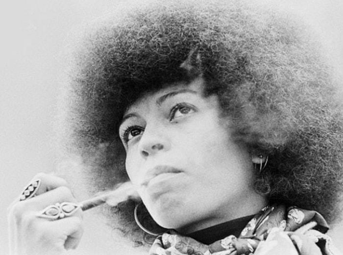 Защитница прав чернокожих Анджела Дэвис | Фото: april-knows.ru