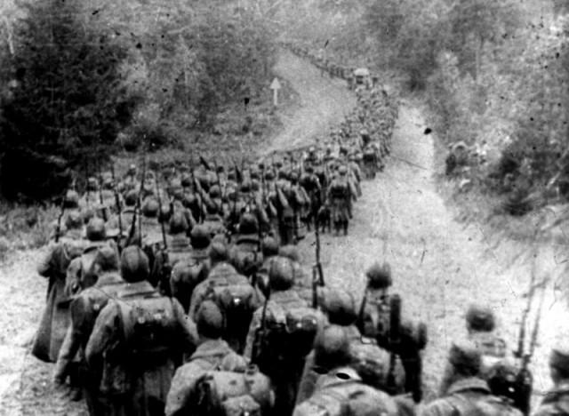 Советские войска пересекают польскую границу. 17 сентября 1939