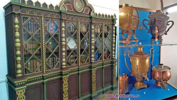 Самовары и шкаф в музее Белой Палаты Ростовского Кремля