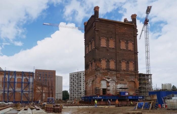 Как в Москве передвинули старинную башню на 100 метров