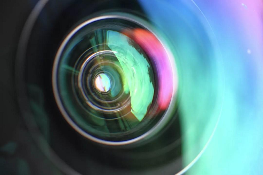 Российские ученые придумали сверхтонкую камеру для смартфонов