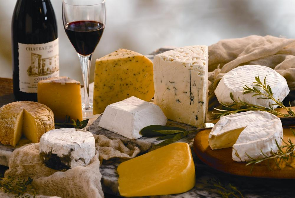Идеальная сырная тарелка и вино – полезные лайфхаки
