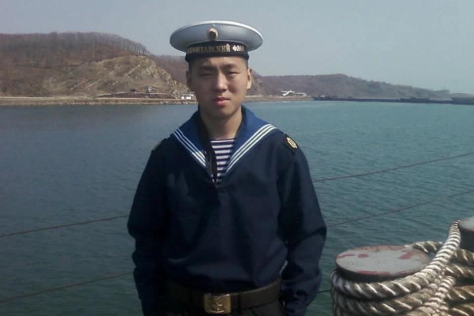 Как матрос Алдар Цыденжапов, сгорая заживо, спас 350 сослуживцев и предотвратил катастрофу на эсминц