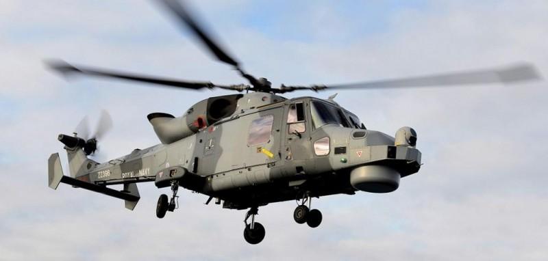 Британский генерал выпрыгнул с вертолета на учениях и потерялся