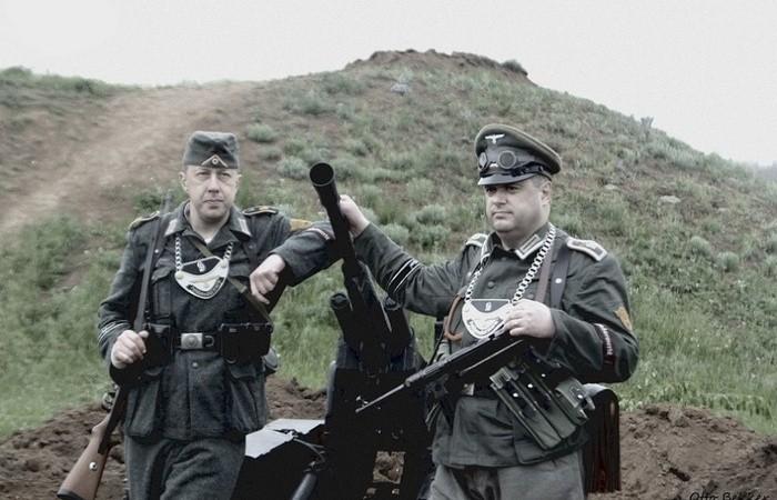 Зачем немецкие солдаты носили на груди пластины на цепи?