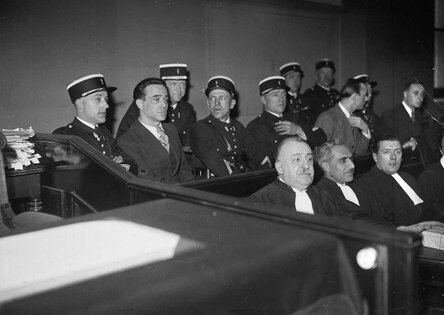 Последняя публичная казнь во Франции с помощью гильотины