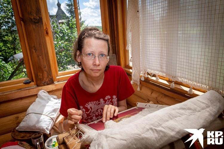 А еще в Огарково возрождают лицевое шитье