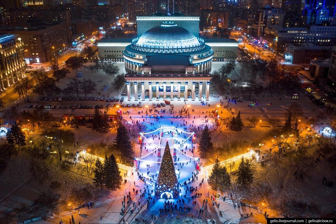 Главный ледовый каток в Новосибирске