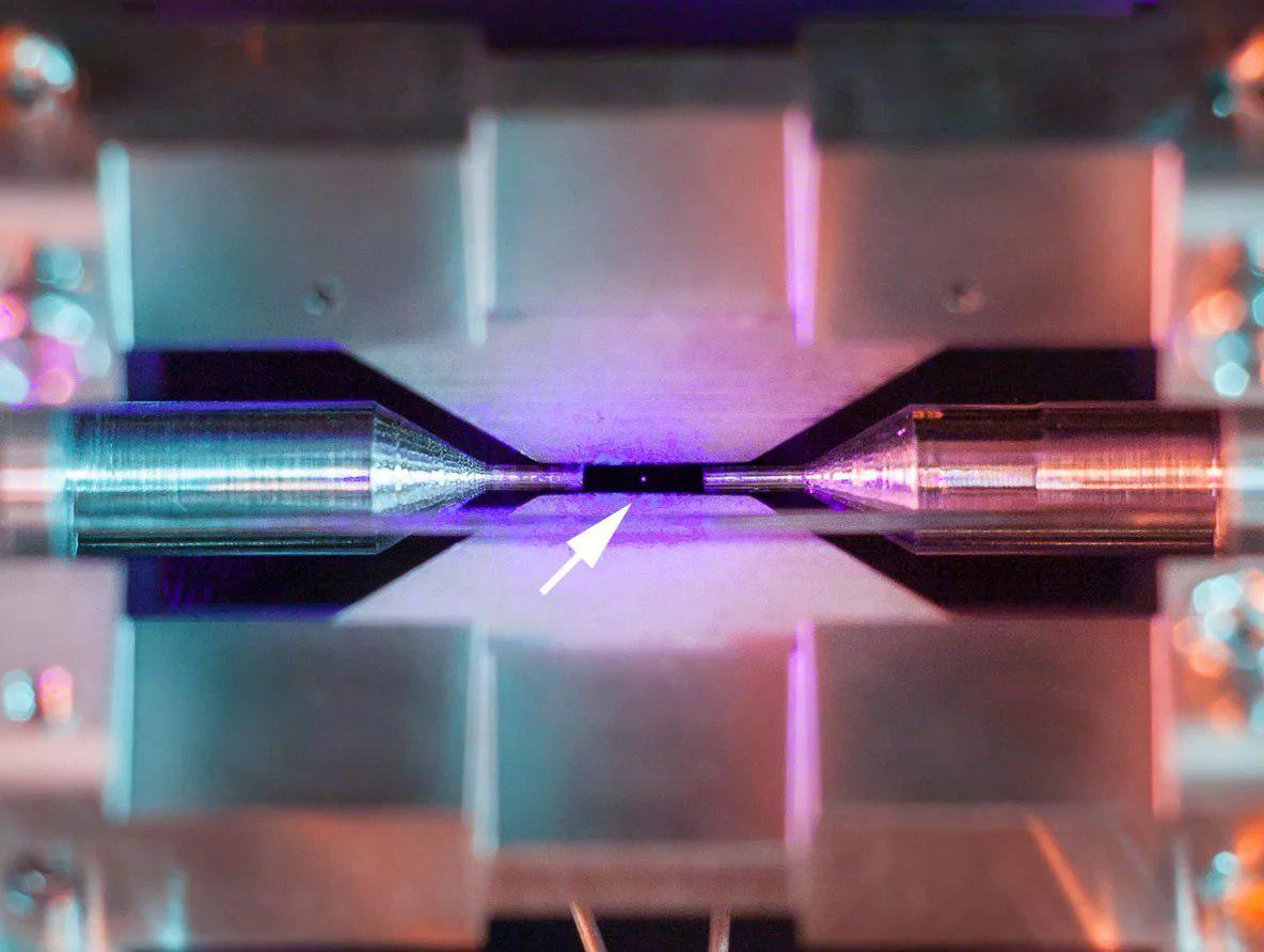 Можно ли увидеть атом без микроскопа