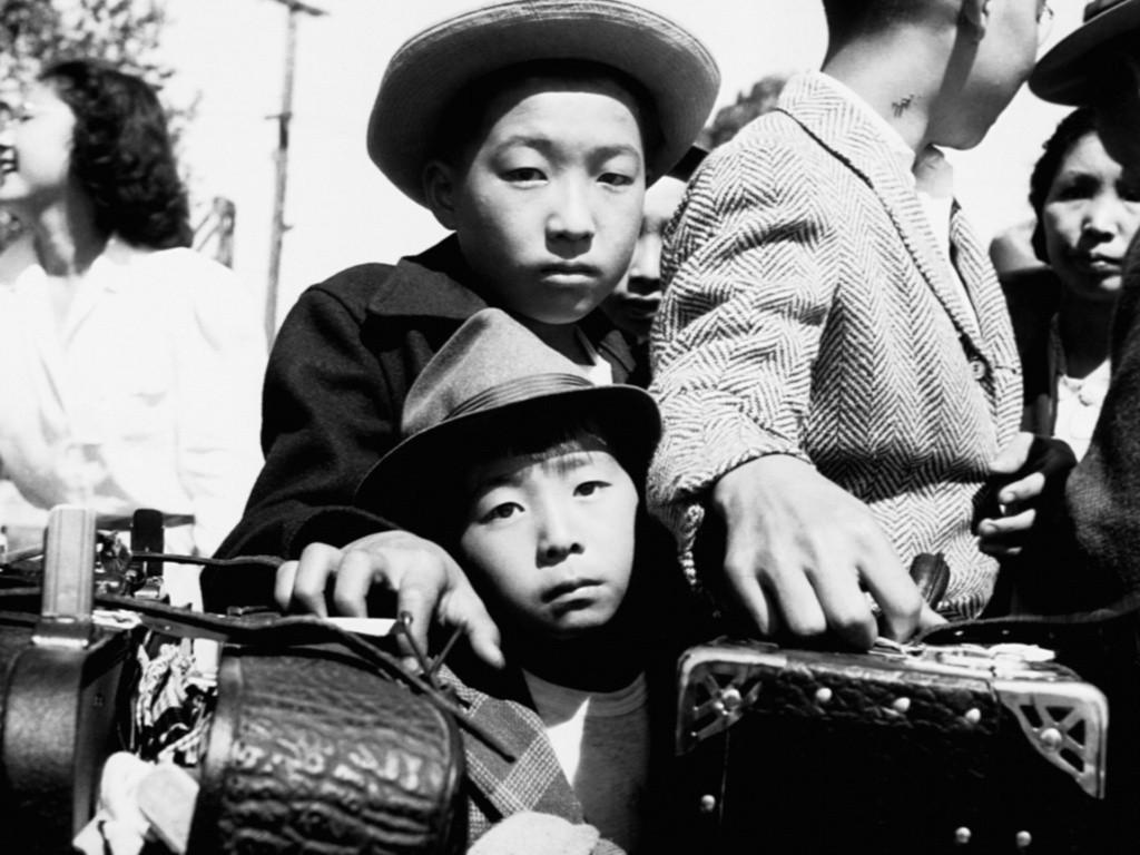 Зачем американцы загнали десятки тысяч своих граждан в концлагеря во время Второй мировой