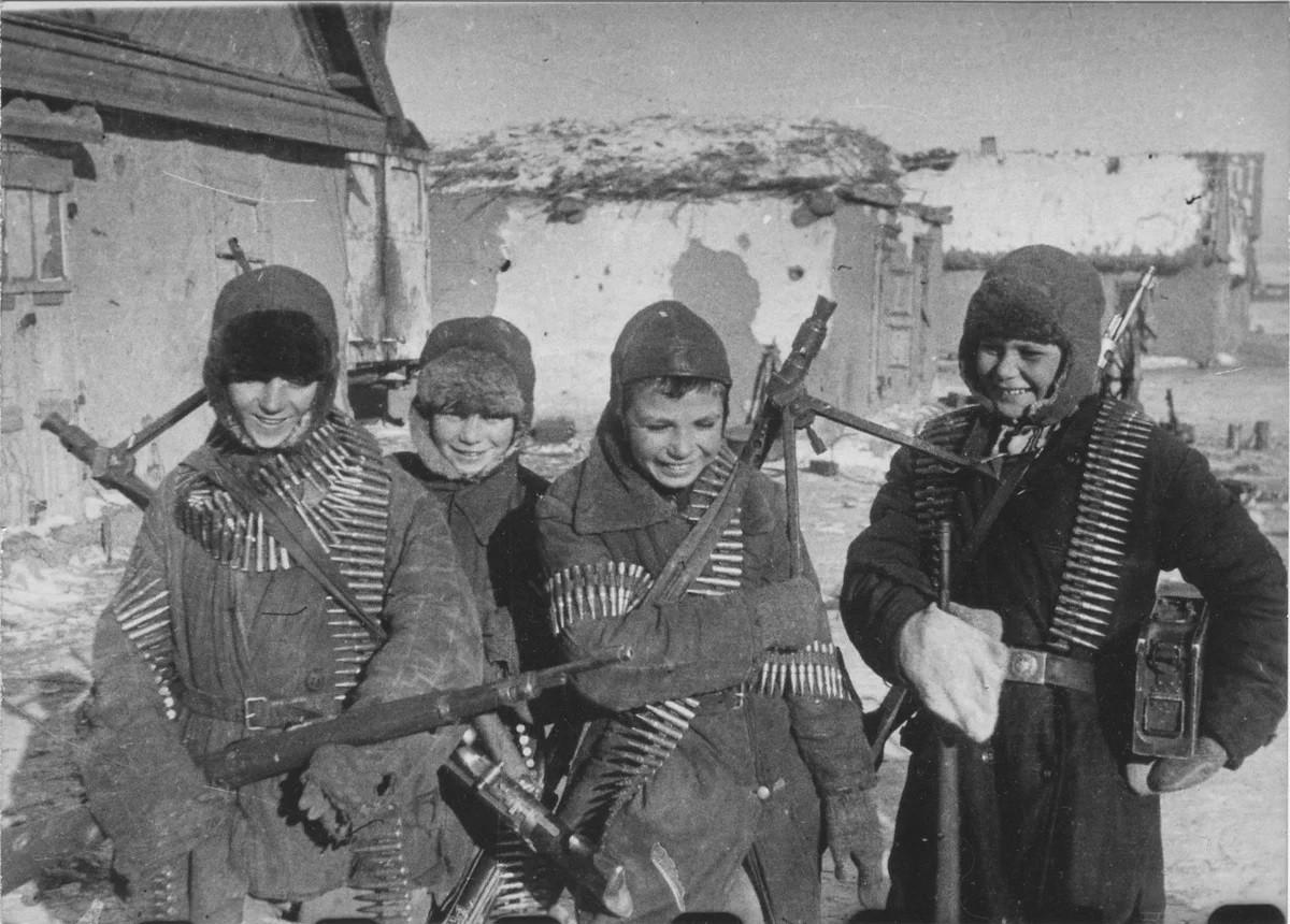 Подвиг детдомовцев: как мальчишки из Стеблево спасли деревню от фашистов