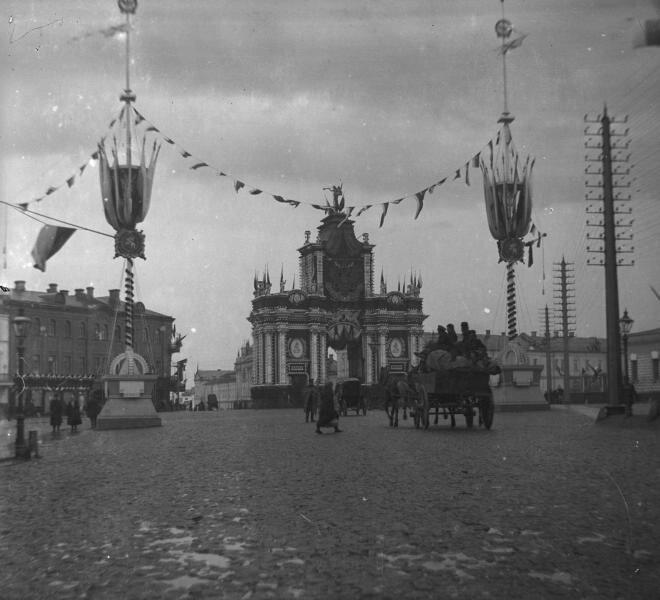 У Красных ворот в дни коронации Николая II Неизвестный автор, май 1896 года, г. Москва, пл. Красные Ворота, МАММ/МДФ.
