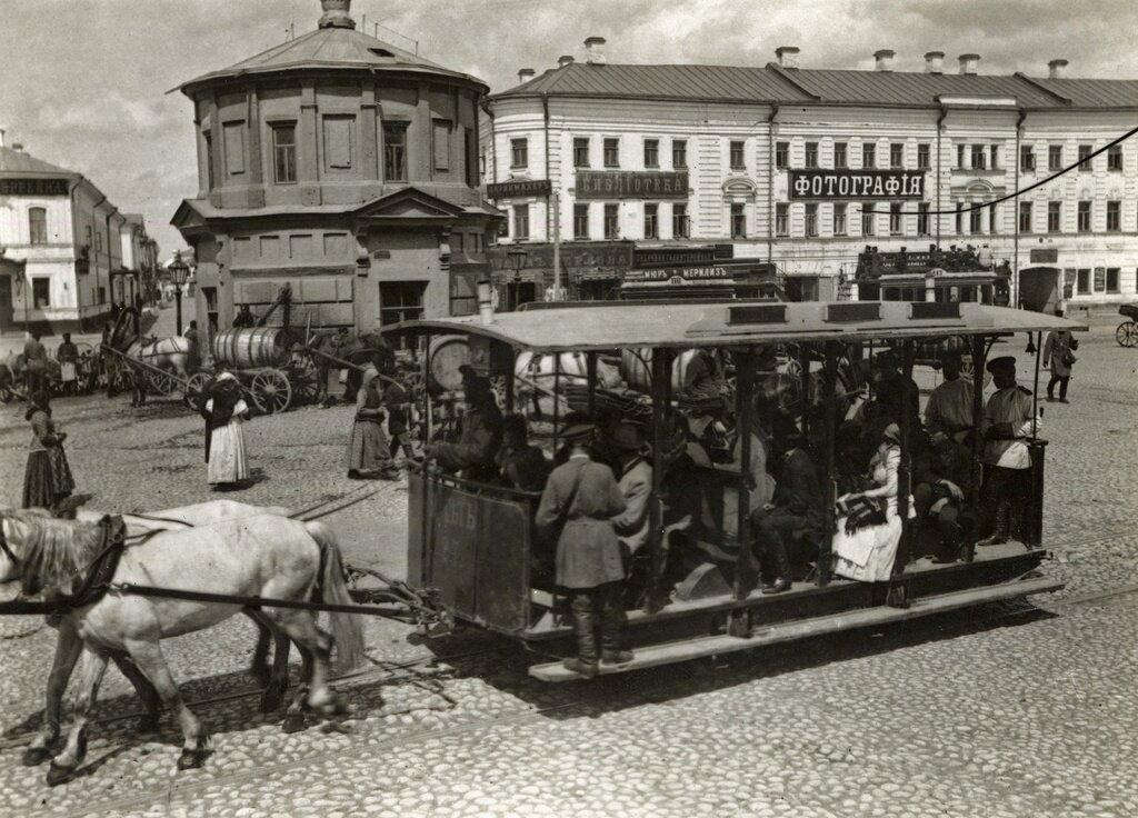 Станция конки на Серпуховской площади Неизвестный автор, 1890-е, г. Москва, Союз фотохудожников России.
