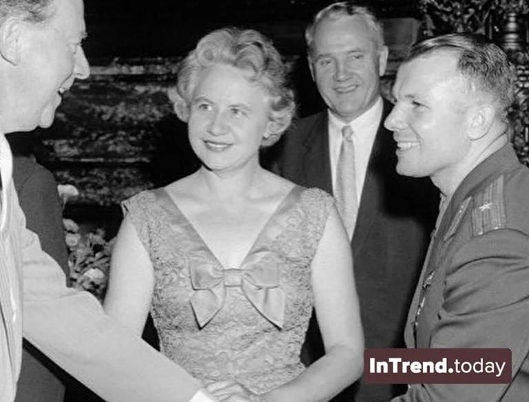 Юрий Гагарин на приеме у Английской Королевы. Как это было