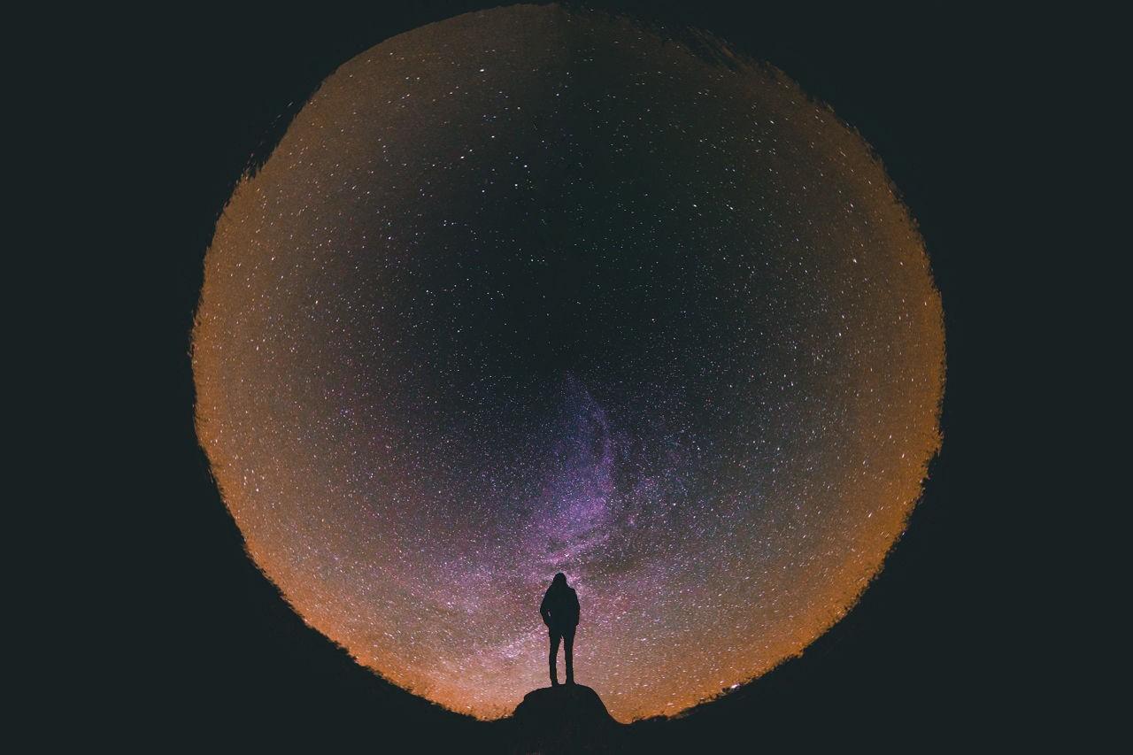 Вселенная - атом: возможно ли