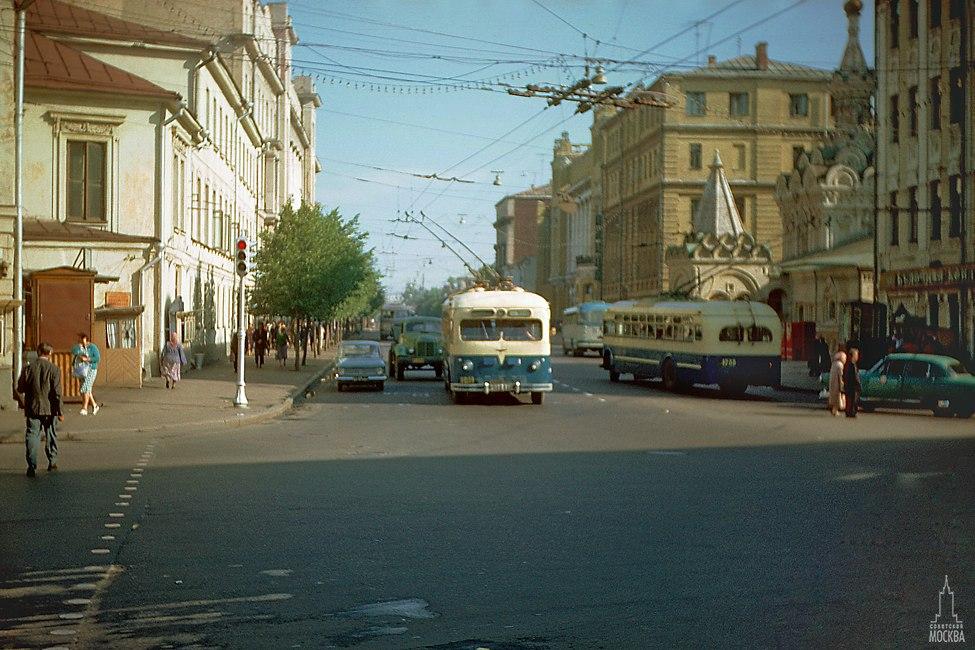 Улицы СССР 50 лет назад: сравнительная историческая урбанистика