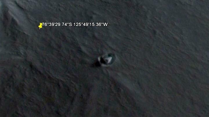 В Западной Антарктиде обнаружена неопознанная треугольная структура