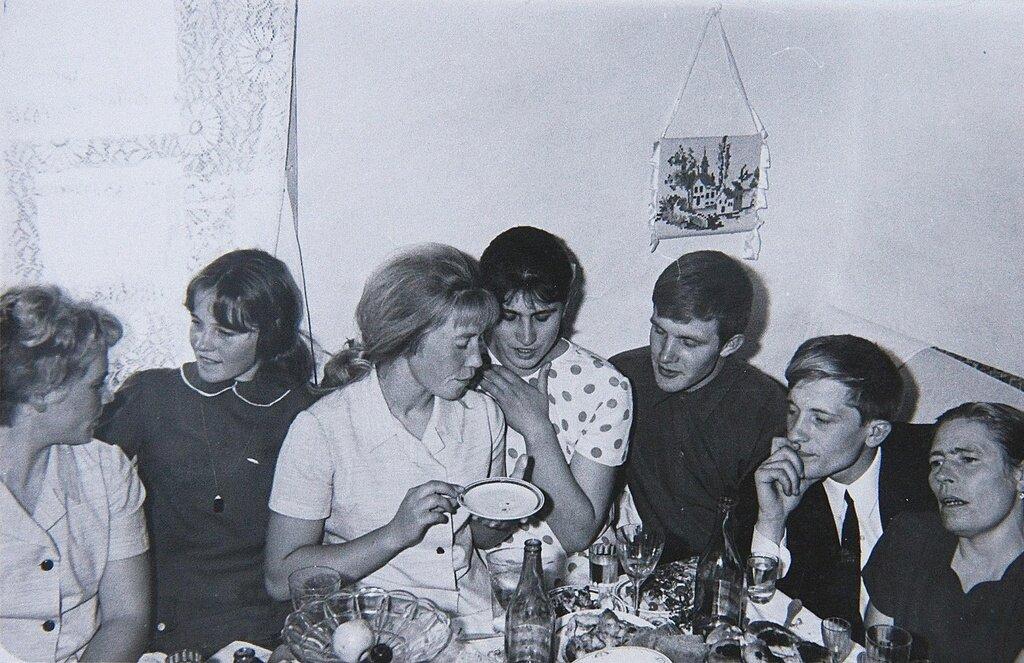 На свадьбе Роберт Вилл, 1962 год, Тюменская обл., Викуловский р-н, с. Коточиги, из архива Татьяны Белоглазовой.