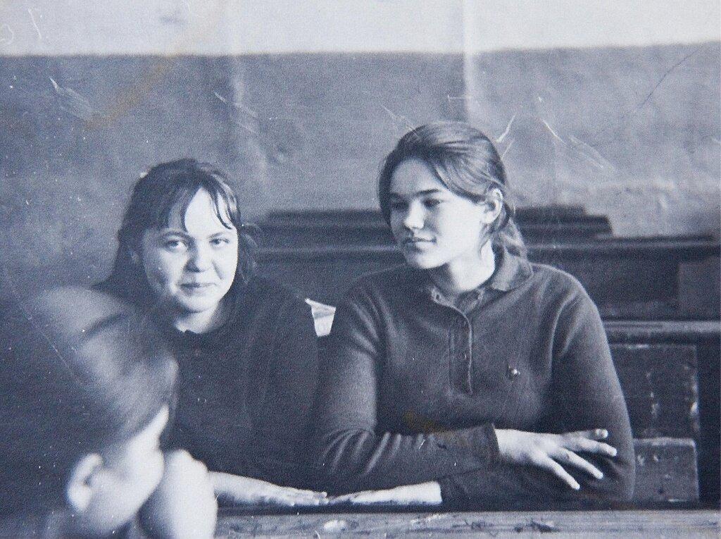 На перемене Роберт Вилл, 1970 год, Тюменская обл., Викуловский р-н, с. Коточиги, из архива Татьяны Белоглазовой.