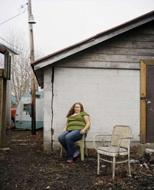 Вот так живут люди в американской глубинке. Обратите внимание на трещину на угловом стыке стен