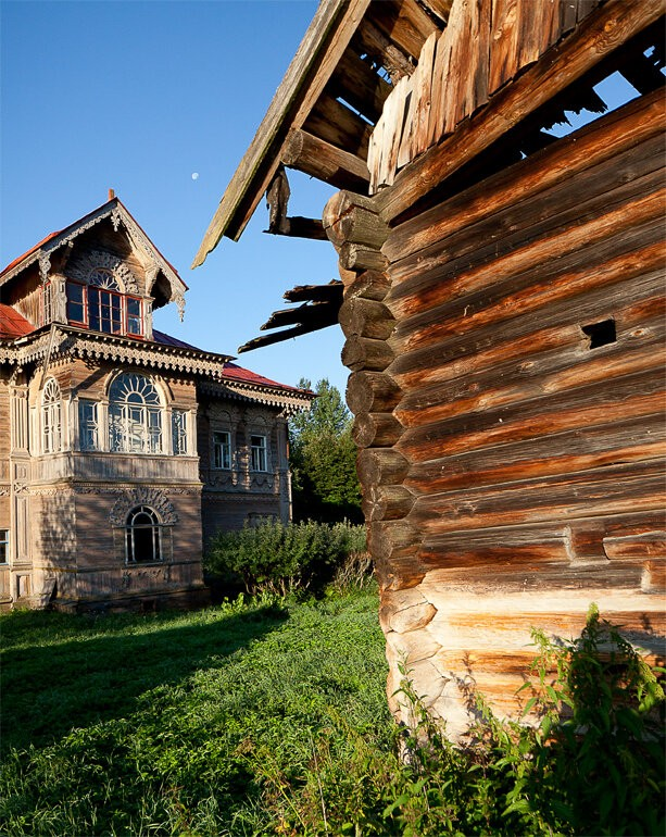 Чудо -терем в покинутой деревне Погорелово