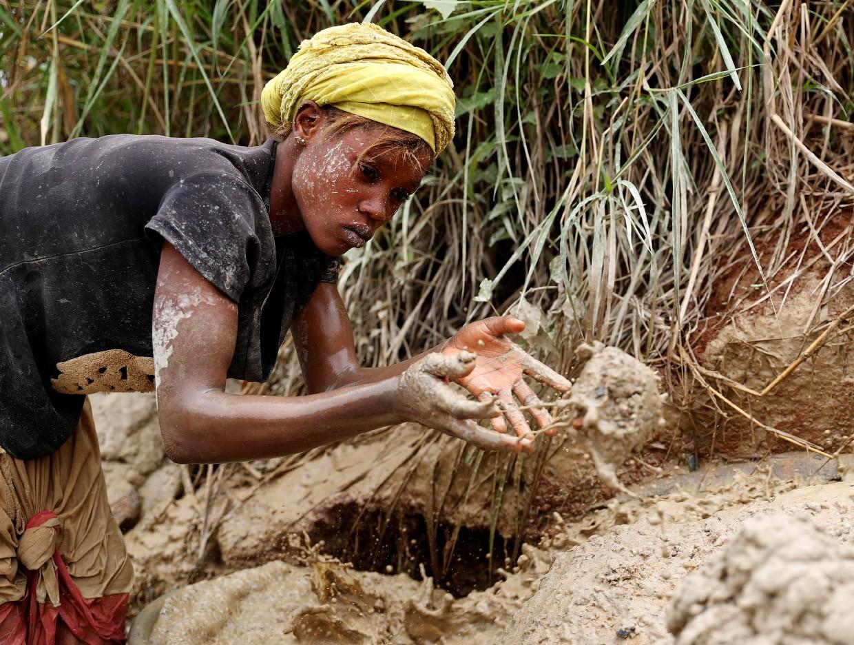 Как добывают золото в Конго