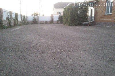 Уплотнение почвы под газон