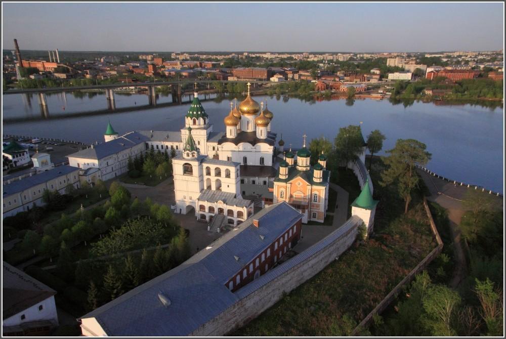 С высоты аэростата: Кострома, Волгореченск, Галич и Нерехта.