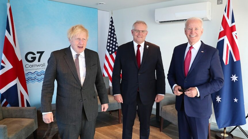 США, Британия и Австралия объединились в военный блок. Англосаксы решили дружить против старой Европы